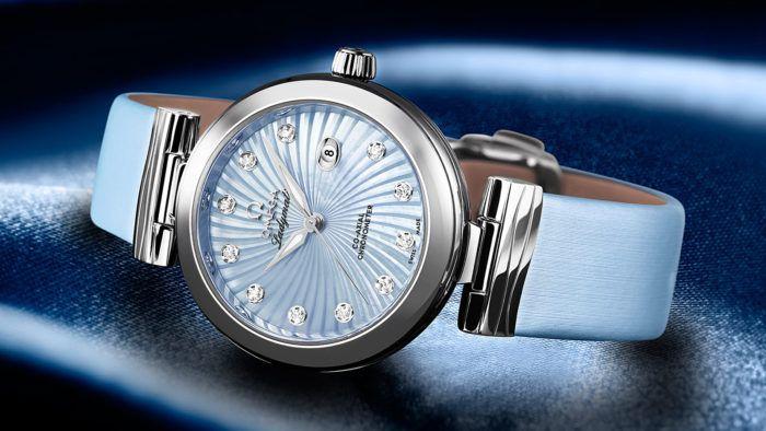 Đồng hồ nữ dây da đẹp dành cho các quý cô thành đạt