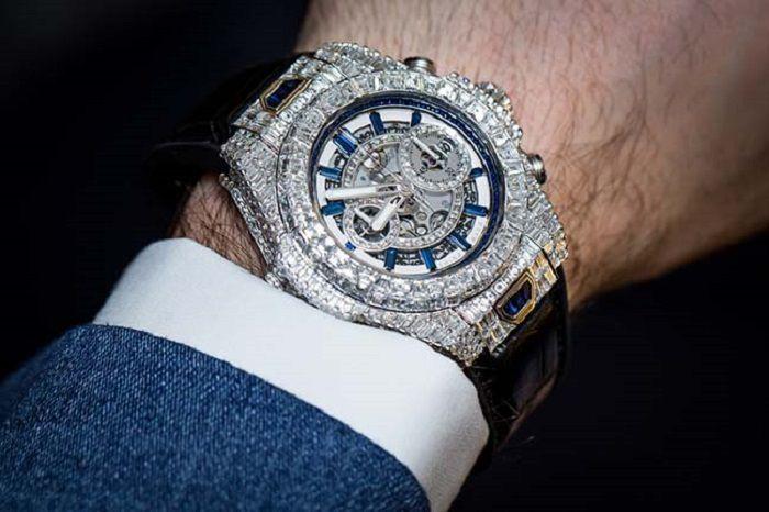 Đồng hồ Hublot đính đá hay kim cương