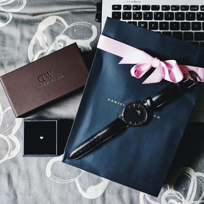Đồng hồ Daniel Wellington được bày bán rộng rãi tại các shop đồng hồ thời trang trên cả nước