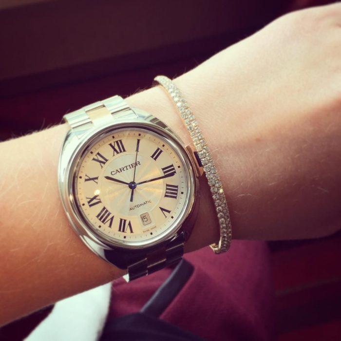 Đồng hồ mặt tròn dây kim loại