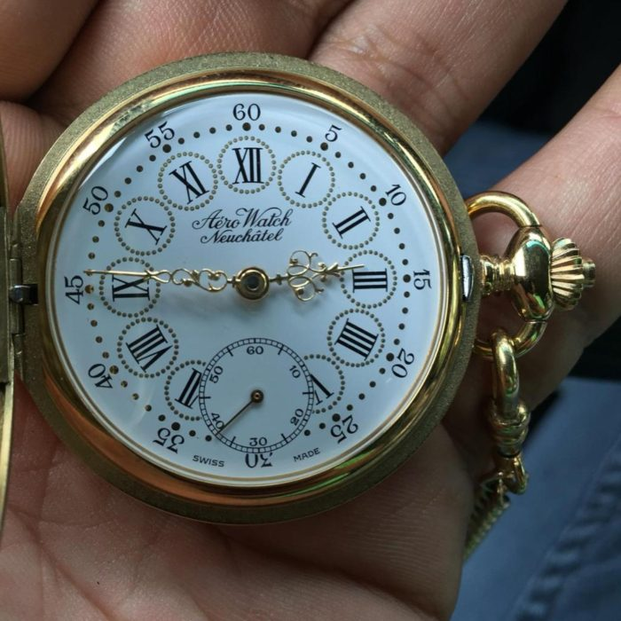 Đồng hồ Aerowatch quả quýt