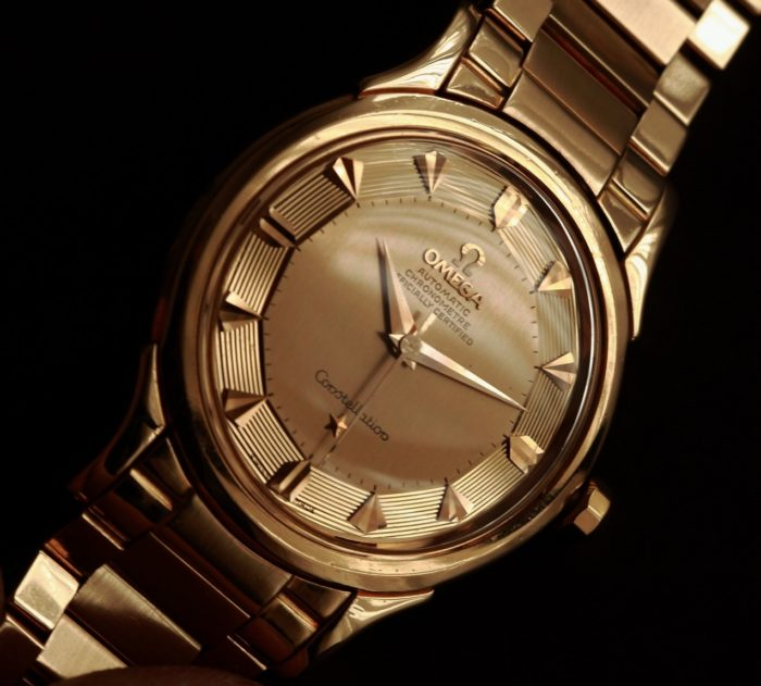 Đồng hồ Omega mặt bát quái