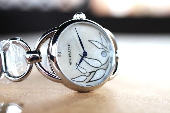Đồng hồ Aerowatch có phải là hàng hiệu Thụy Sỹ chính hãng