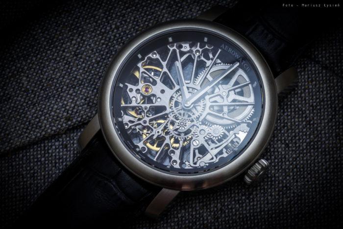 Đồng hồ Aerowatch lộ cơ