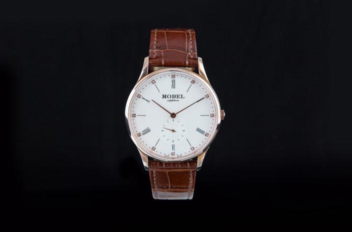 Chất liệu vỏ của đồng hồ Nobel làm từ gì