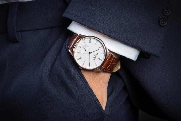 Đánh bóng dây đồng hồ Nobel chính hãng