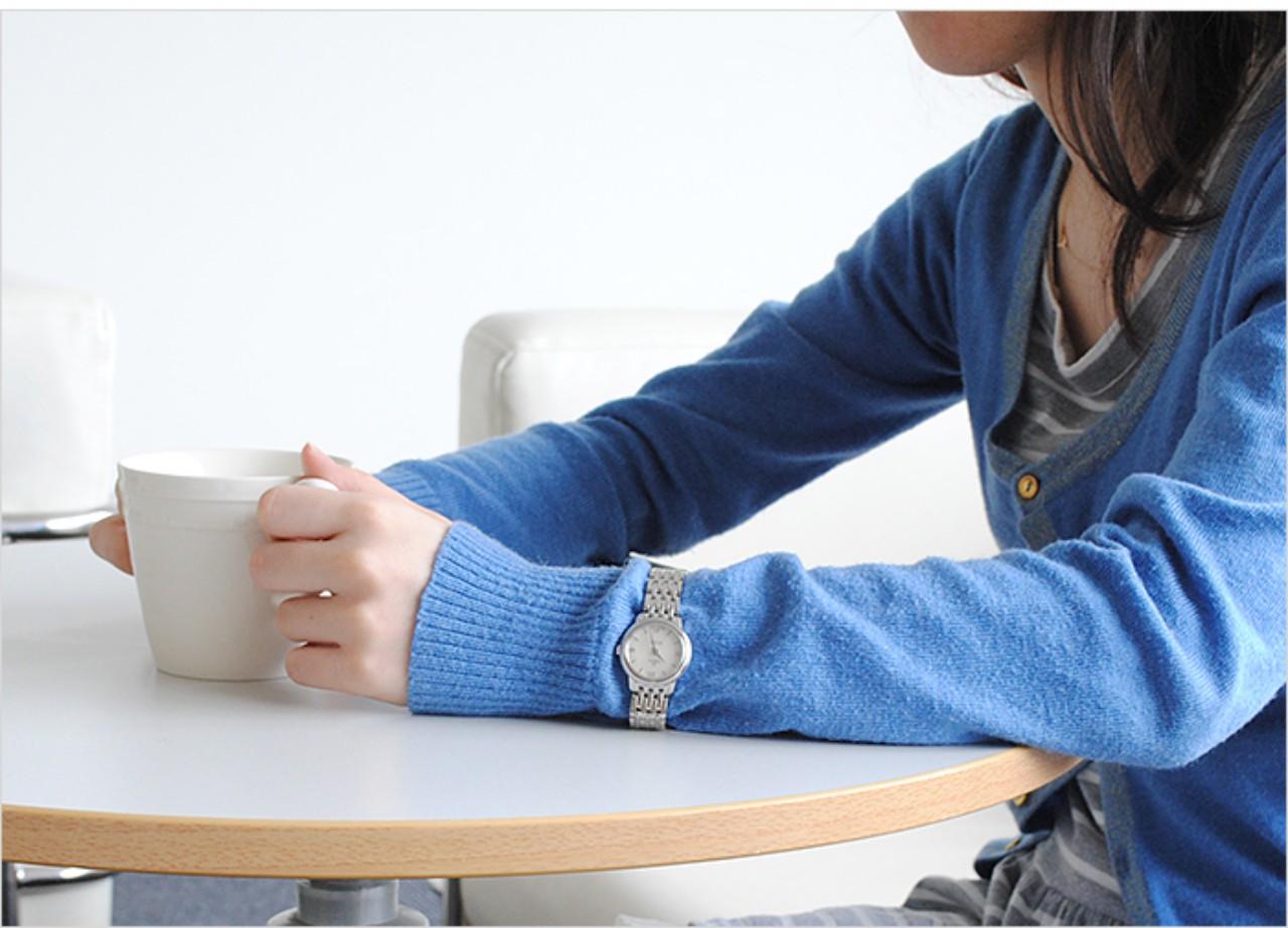 đồng hồ Omega nữ dây kim loại