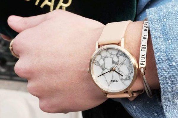Top 3 đồng hồ nữ dây da mặt tròn lạ mắt ấn tượng nhất 2017