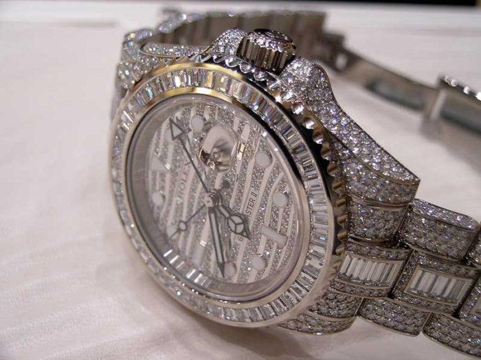 Đồng hồ Rolex gawnskim cương giá bao nhiêu