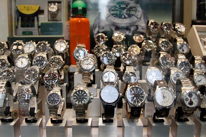 Những mẫu đồng hồ Tissot Replica được bày bán tràn lan và đánh lừa người tiêu dùng