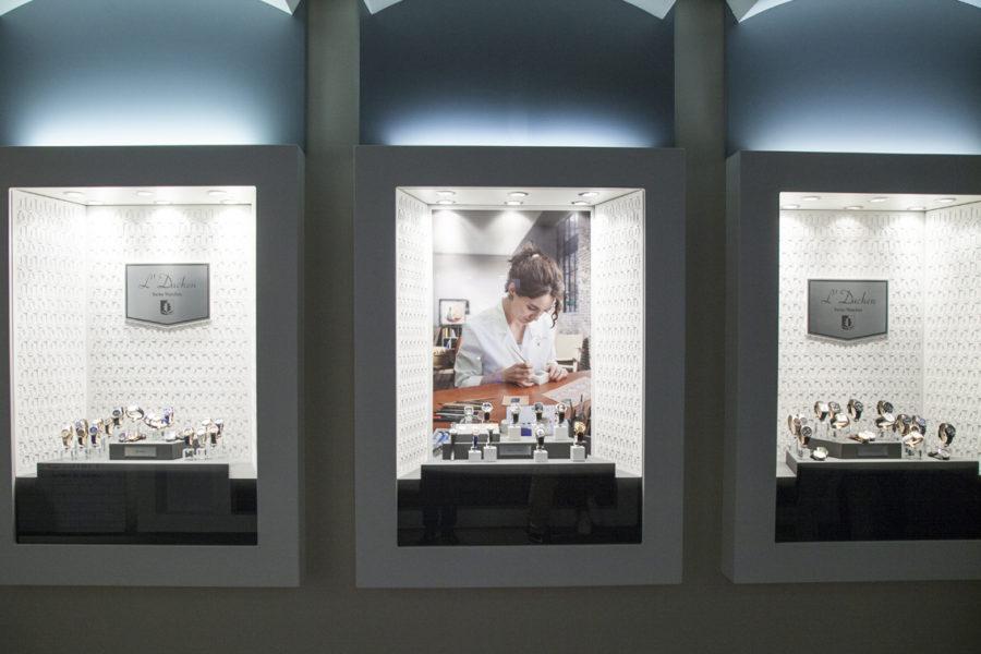 cửa hàng bán đồng hồ L'Duchen tại Hà Nội
