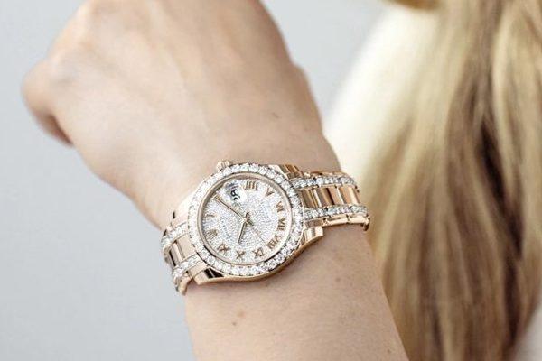 chiếc đồng hồ Rolex đính kim cương đẹp mê hồn