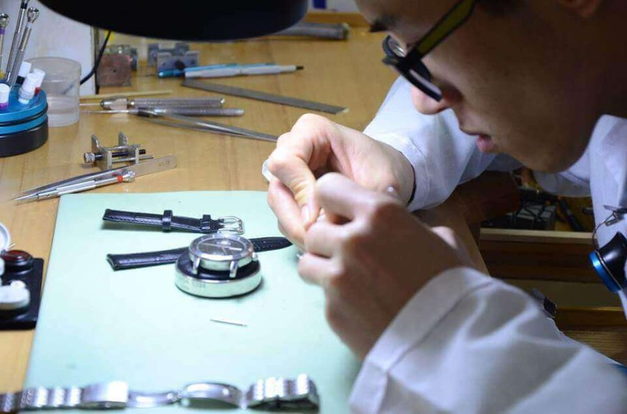 đồng hồ L'duchen được bảo hành trong 3 năm trên toàn cầu