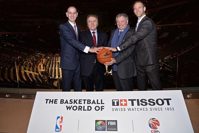 Cái bắt tay huyền thoại giữa Tissot và NBA