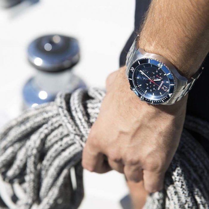 đồng hồ máy quartz Wenger Seaforce