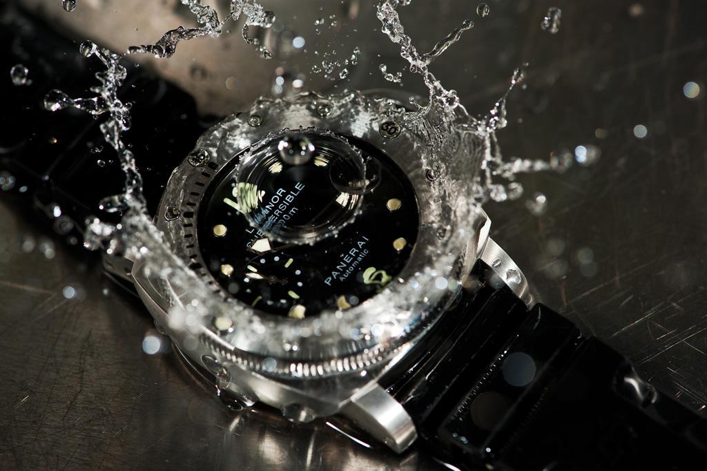 đồng hồ cần chống nước