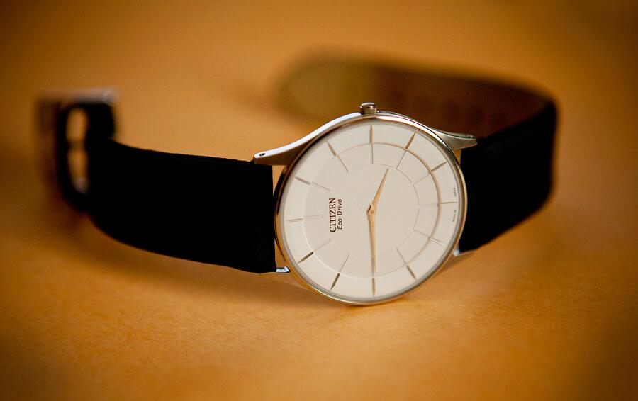 đồng hồ pin siêu mỏng