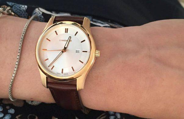 kích thước mặt số đồng hồ Wenger lớn