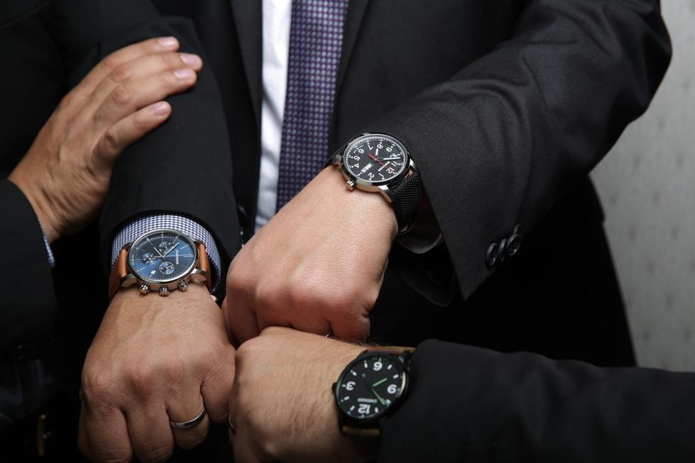 đồng hồ Wenger thời thượng