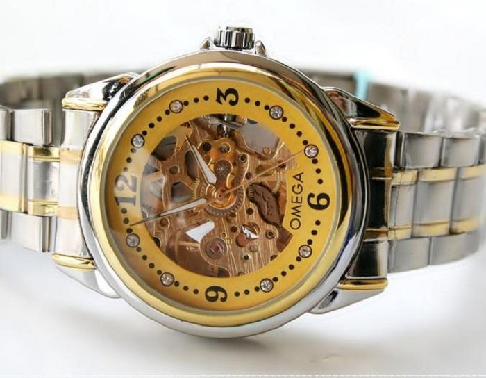 Đồng hồ cơ lộ máy Thụy Sĩ fake