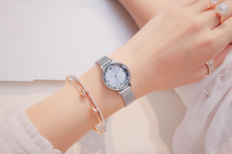 Đồng hồ xách tay Hàn Quốc