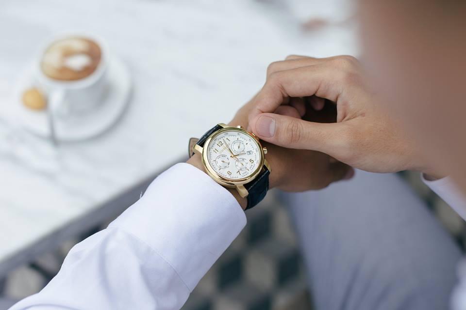 đồng hồ Wenger dây da