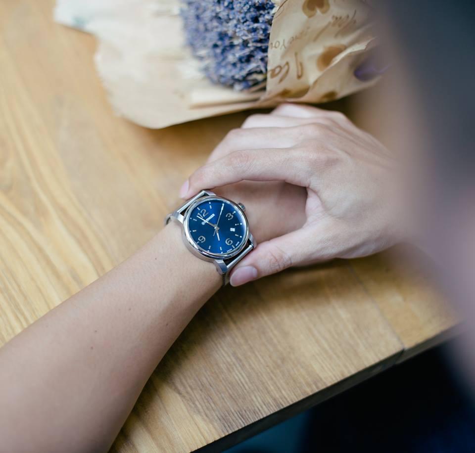 đồng hồ Wenger dây kim loại