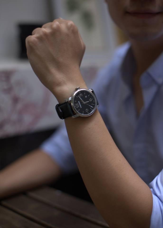 đồng hồ nam tay nhỏ thiết kế đẹp