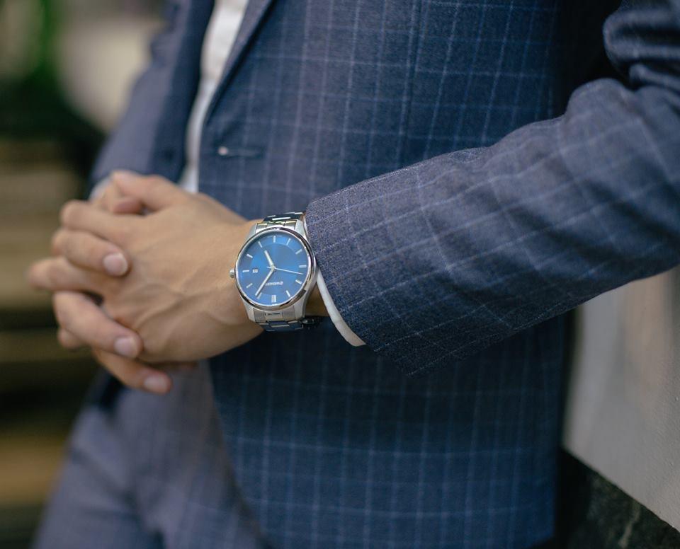 đồng hồ nam giá 4 triệu Wenger