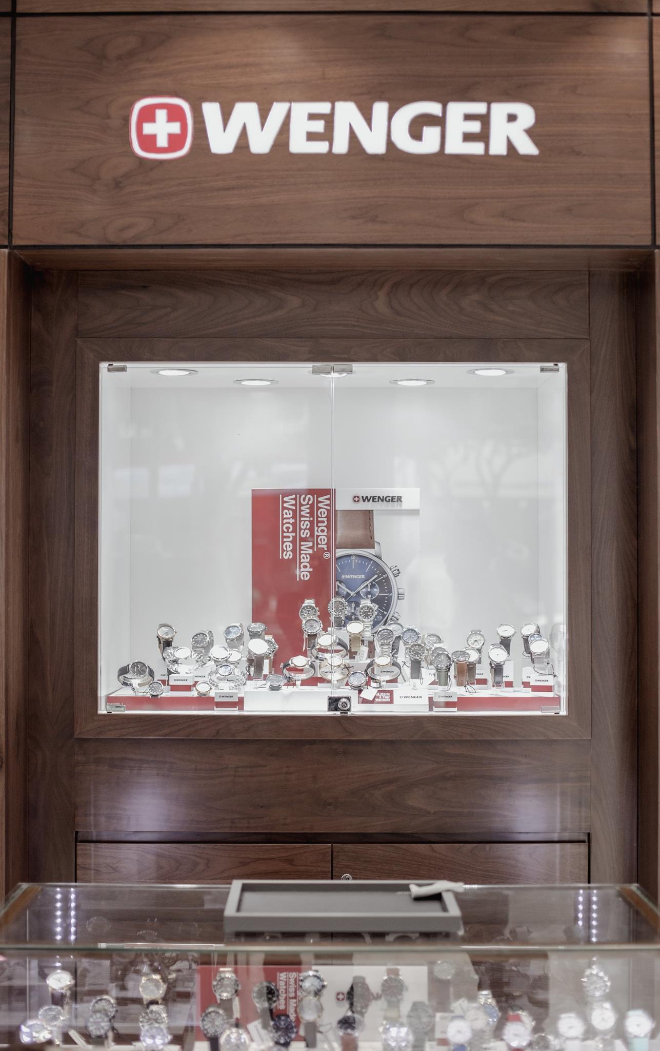 Shop đồng hồ Wenger tại 100 Thái Hà, Đống Đa Hà nội