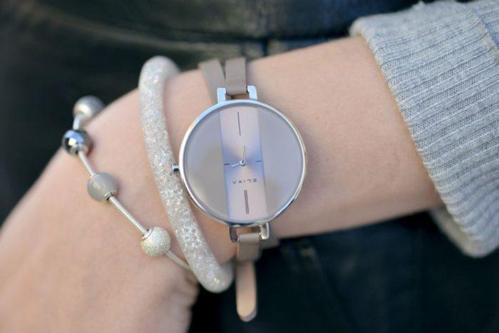 Đồng hồ da nữ hàng hiệu