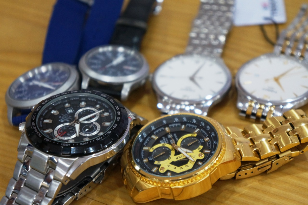 thị trường đồng hồ giả