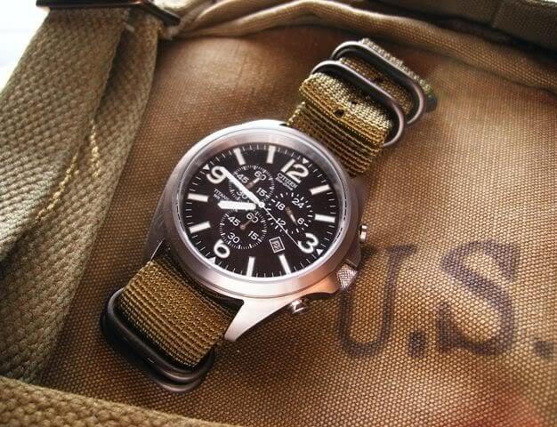 đồng hồ cơ Nhật Bản
