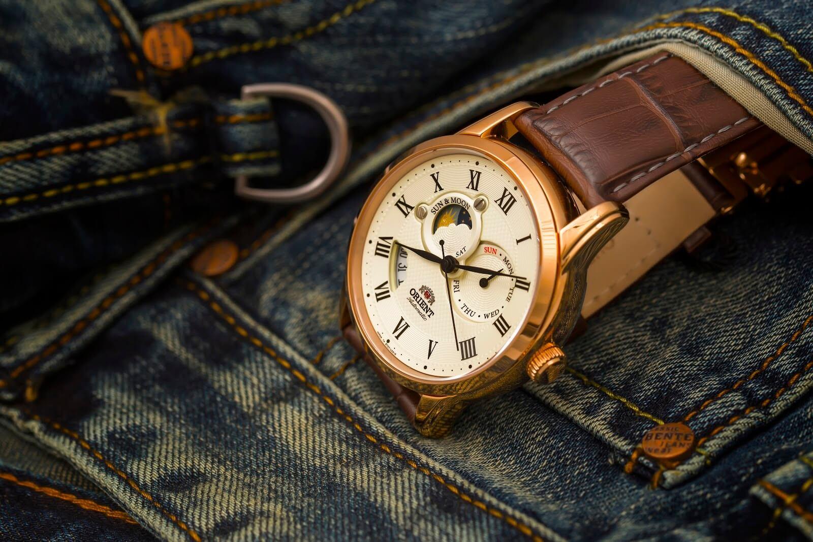 đồng hồ cơ Nhật Bản giàu tính năng