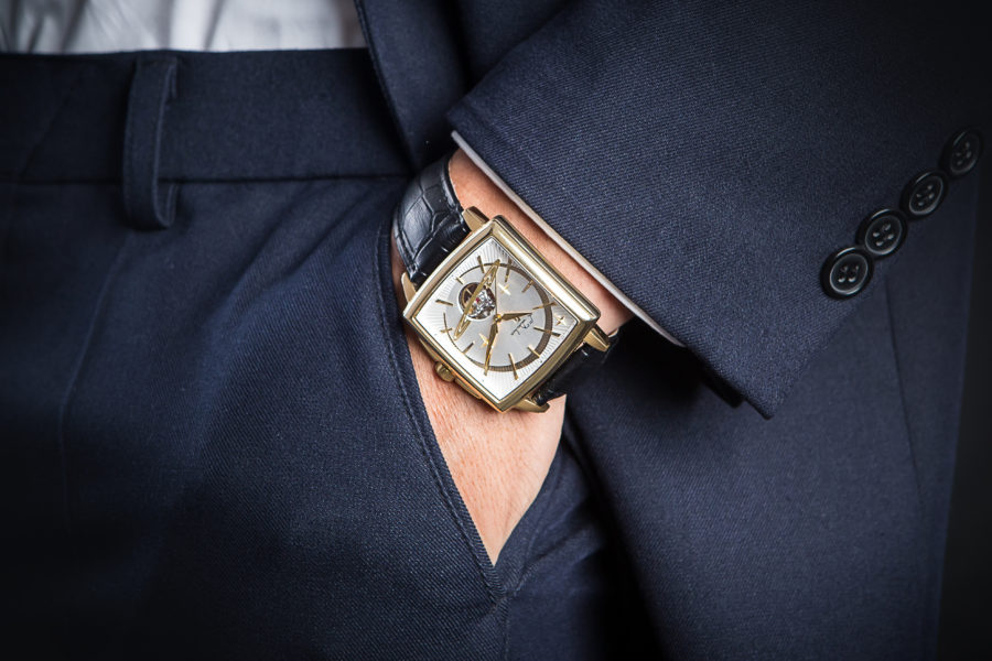 đồng hồ nam hình chữ nhật