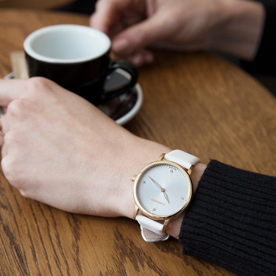cách bảo quản dây da đồng hồ hiệu quả