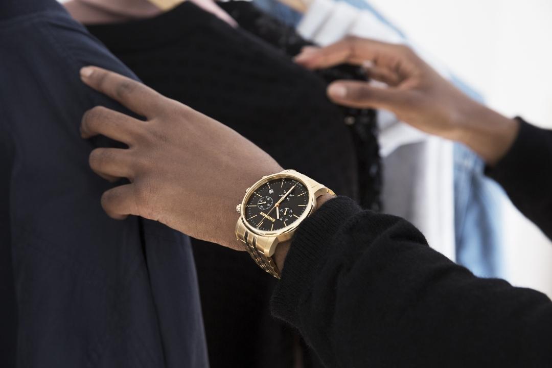 dây đồng hồ kim loại đen hiệu Wenger