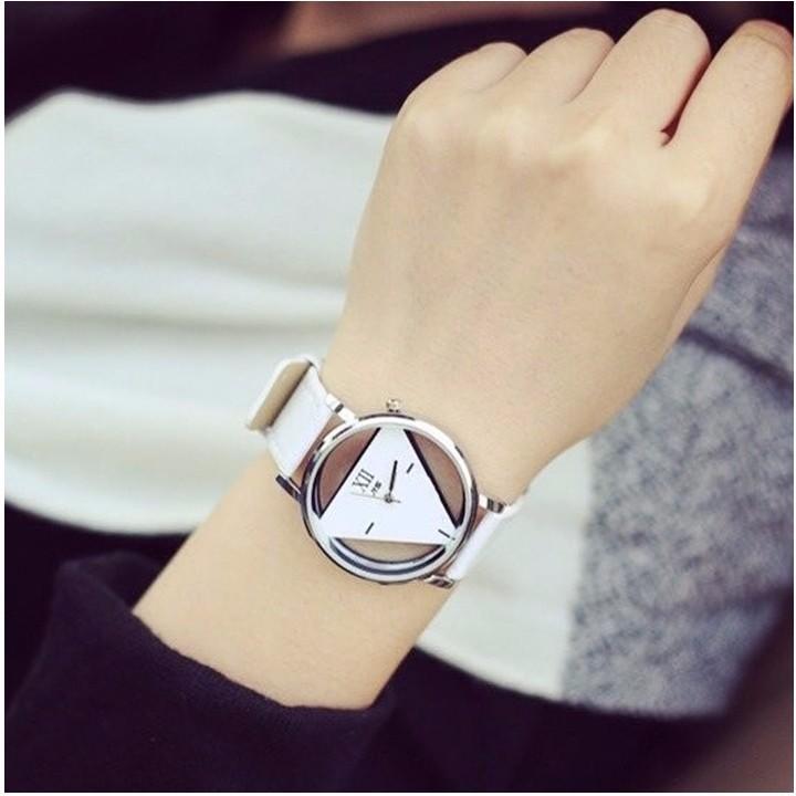 đồng hồ tam giác hàn quốc