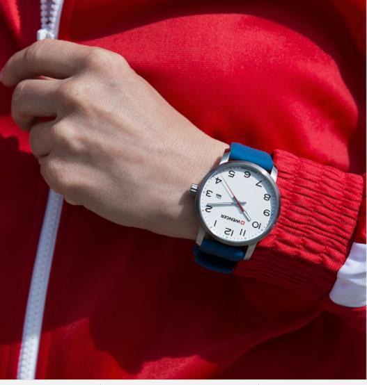 Đồng hồ nữ màu xanh dương hiệu Wenger