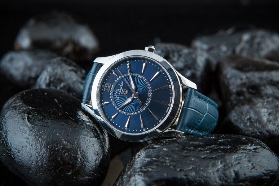 Đồng hồ nữ màu xanh day da dương hiệu L'Duchen