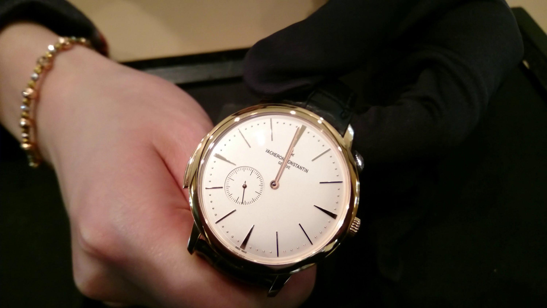 đồng hồ nam siêu mỏng giá rẻ không tồn tại