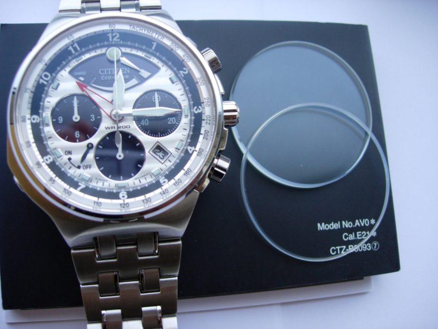 Thay kính đồng hồ Citizen dựa vào chất liệu ban đầu