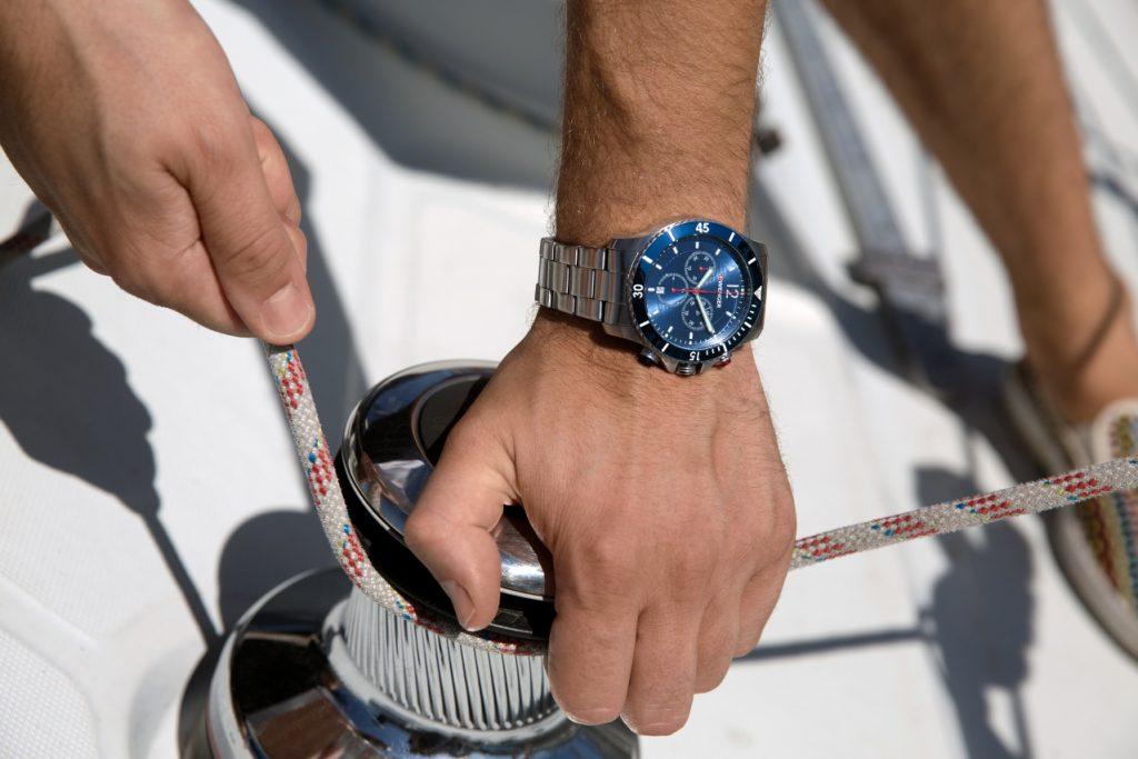 Đồng hồ nam dây kim loại giá rẻ được phân phối tại Erawatch
