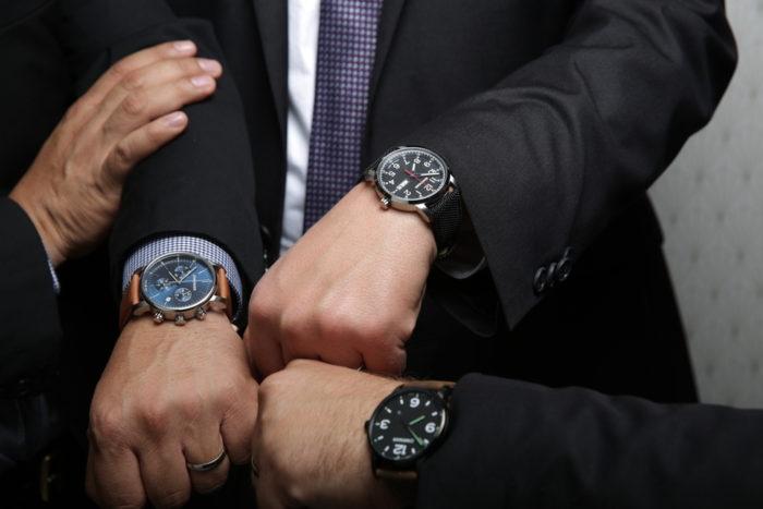 Nên mua đồng hồ hãng nào?