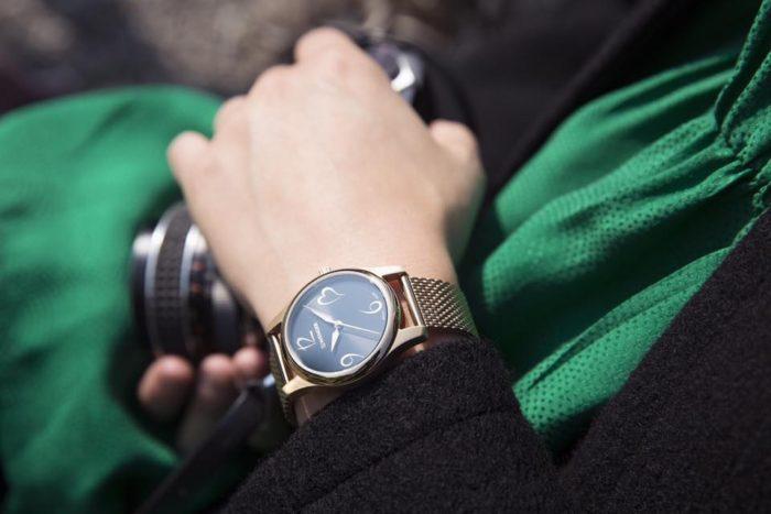 Đồng hồ Thụy Sỹ nữ dây da