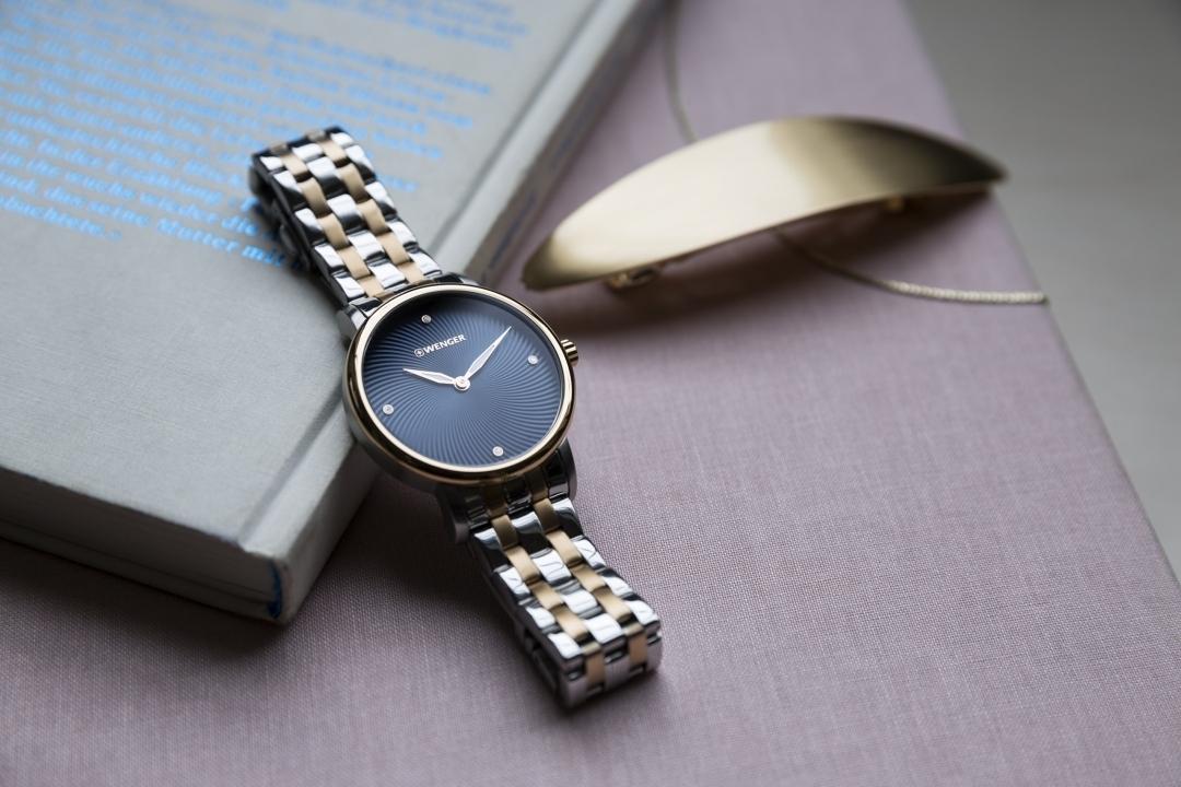 đồng hồ nữ dây kim loại vàng