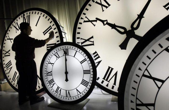 dùng đồng hồ sai cách