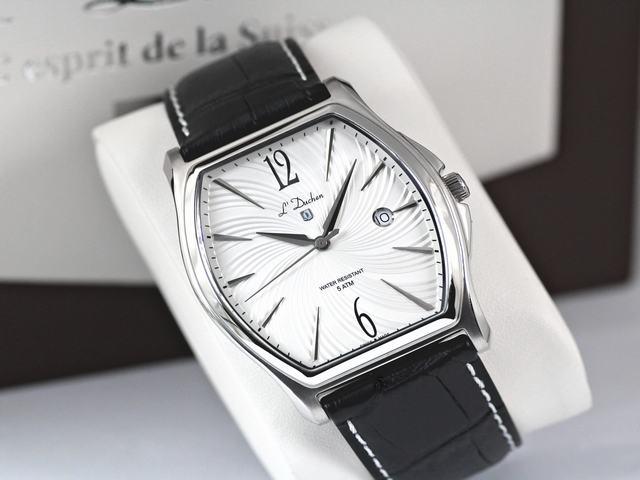 đồng hồ mặt chữ nhật chu nhật