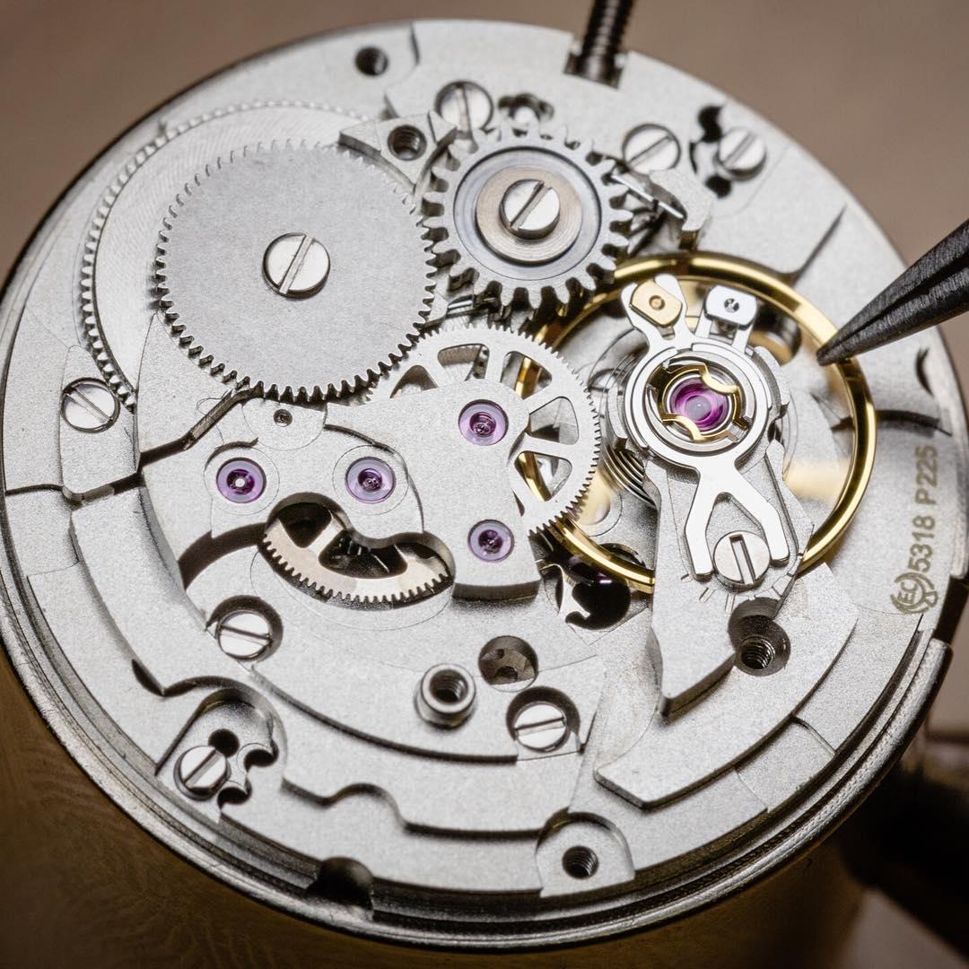 đồng hồ Emile Chouriet Soleos
