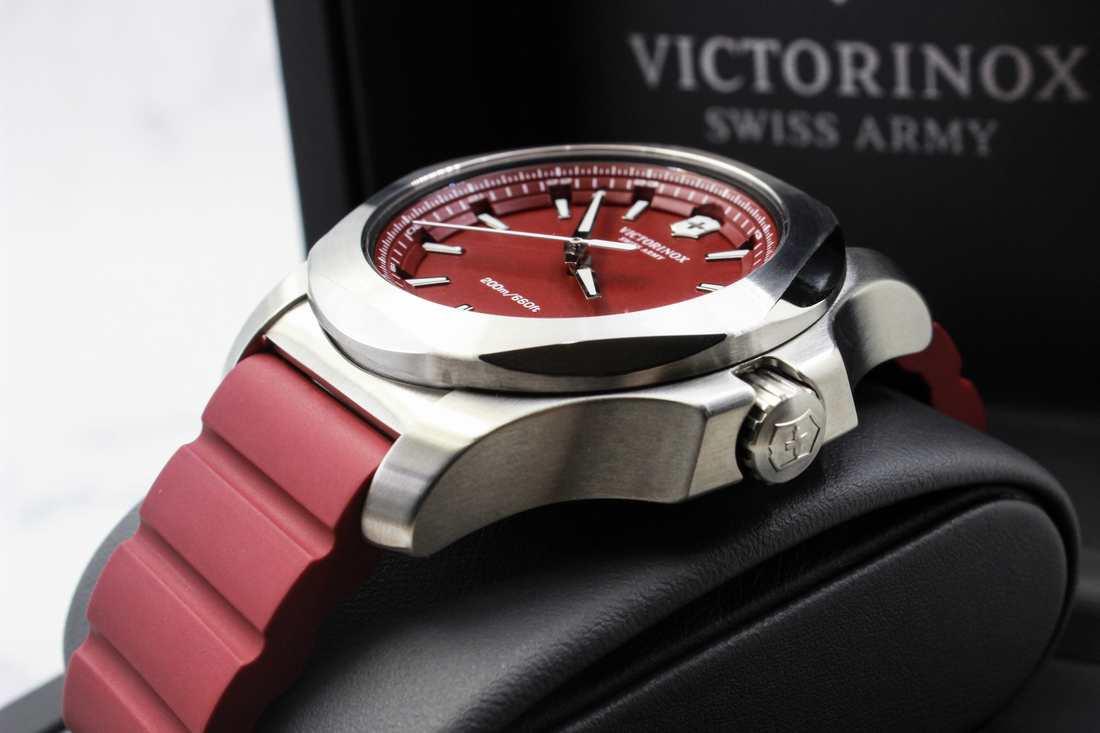 Đồng hồ Victorinox 241719.1